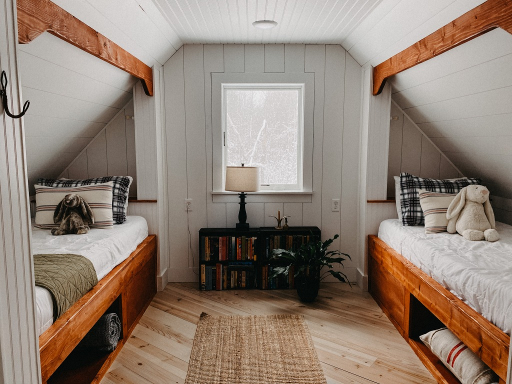 Traverse City Airbnb Sleeps 6