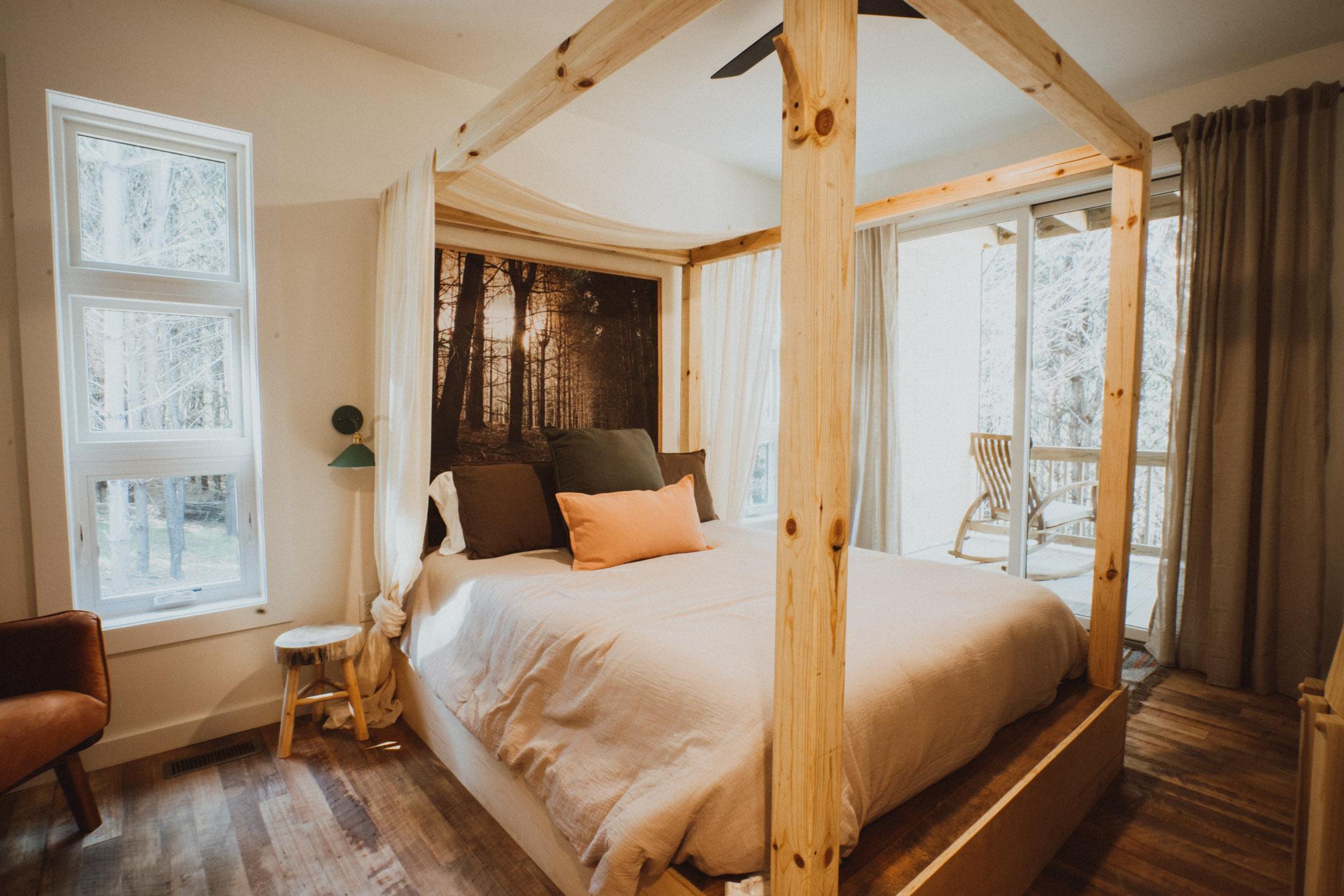 Carpenter's Cabin bedroom