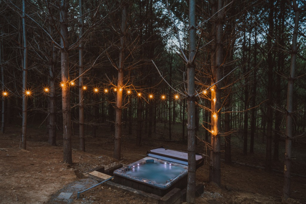 Cabins with hot tubs in Hocking Hills Carpenter Cabin